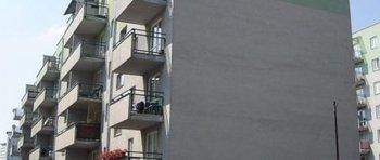 Krowodrza Górka, ul. Kluczborska 27Termin realizacji: IV kwartał 2001Pięciopiętrowy, dwuklatkowy blok mieszkalny przy ul. Kluczborskiej 29, składający się z 40 mieszkań oddano do użytku w 2001 roku. W przyziemiu budynku znajduje się wielostanowiskowy garaż podziemny.
