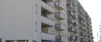 Krowodrza Górka, ul. Fieldorfa-Nila 15Termin realizacji: III kwartał 2002Siedmiopiętrowy, trójklatkowy blok mieszkalny przy ul. Gen. Fieldorfa-Nila 15, który oddaliśmy do użytku w 2002 roku, liczy 120 mieszkań. W kondygnacji podziemnej budynku znajduje się garaż wielostanowiskowy.