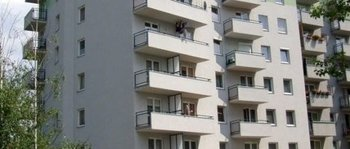Krowodrza Górka, ul. Fieldorfa-Nila 7Termin realizacji: II kwartał 2005Siedmiopiętrowy, jednoklatkowy budynek został dobudowany do istniejącego już budynku nr 3 (Fieldorfa-Nila 9). Powierzchnia użytkowa 32 mieszkań wynosi ok. 1500 m2. Na parterze budynku znajduje się lokal użytkowy o łącznej powierzchni ok. 230 m2.