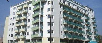 Krowodrza Górka, ul. Fieldorfa-Nila 12Termin realizacji: III kwartał 2006W dwuklatkowym, siedmiopiętrowym (z antresolami) budynku znajduje się 86 mieszkań. Powierzchnia użytkowa mieszkań wynosi ok. 4000 m2. Na parterze budynku znajdują się indywidualne garaże oraz lokal użytkowy.