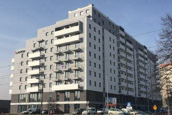 os. Na Lotnisku 1 - budynek mieszkalny                                                         - 148 mieszkań- 108 miejsc parkingowych w garażu podziemnym- 27 lokali użytkowych- 52 komórki lokatorskie- Budynek dopuszczony do użytkowania w 2018 r.os. Bohaterów Września 1J - budynek mieszkalny- 140 mieszkań- 39 miejsc parkingowych w garażu podziemnym- 7 lokali użytkowych- 60 komórek lokatorskich- Budynek dopuszczony do użytkowania w 2016 r.ul. Dolna 12 -  budynek mieszkalny- 47 mieszkań- 23 miejsca parkingowe w garażu podziemnym- 11 komórek lokatorskich- Budynek dopuszczony do użytkowania w 2015 r.Inwestycje wykonane przez przedsiębiorstwo właściciela Acatom Sp. z o.o. Sp.k.:ul. Walerego Sławka 16 C – budynek mieszkalny- 50 mieszkań- 2 lokale użytkowe- 4 garaże naziemne- 22 miejsca postojowe w dwupoziomowym garażu podziemnym- 43 komórki lokatorskie- Budynek dopuszczony do użytkowania w 2013 r.ul. Bieżanowska 77A, 77B, 77C - Zielone Osiedle – 3 budynki mieszkalne- 79 mieszkań- 74 Miejsca postojowe w garażu podziemnym- 85 pomieszczeń gospodarczych- Budynek dopuszczony do użytkowania w 2012 r.